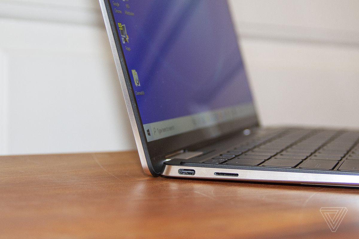 Partea dreaptă a Dell XPS 13 2-în-1.