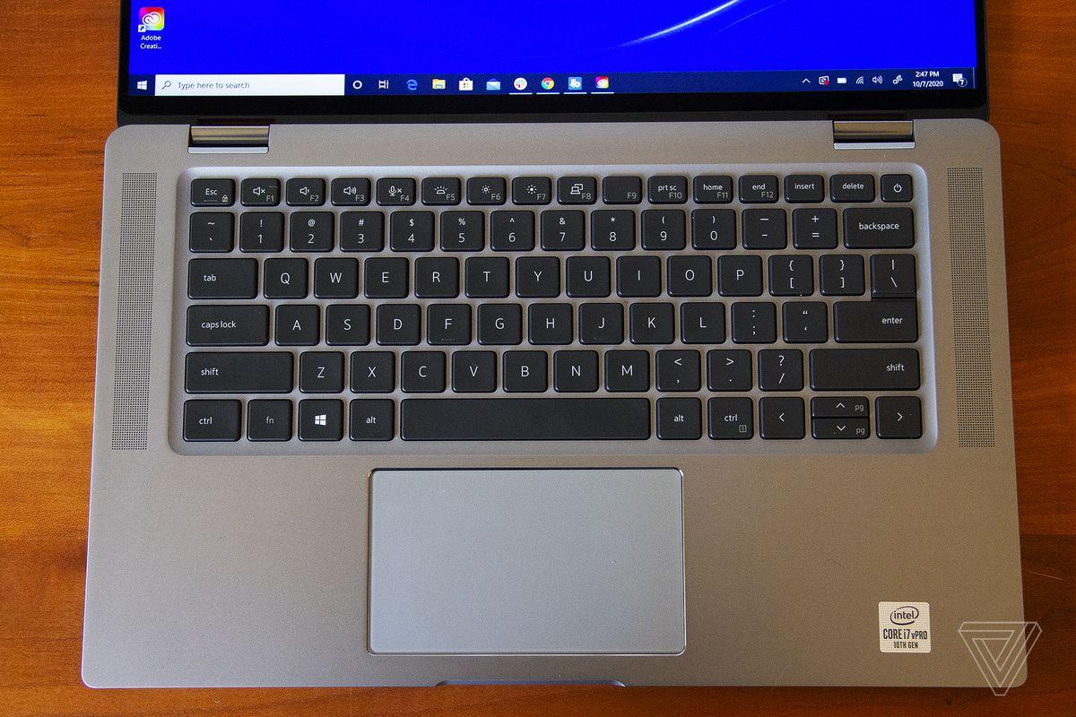 Punctul de tastatură al Dell Latitude 9510 2-în-1 văzut de sus.