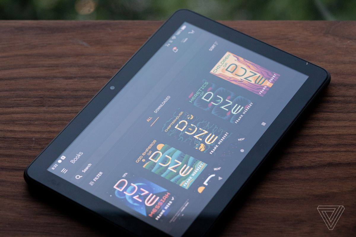 Fire HD 8 Plus are 3 GB RAM și 32 GB spațiu de stocare.