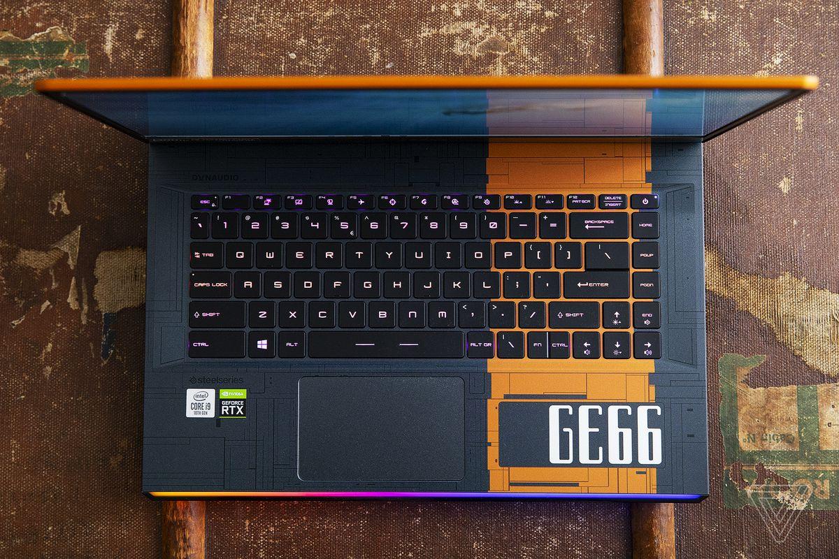 Platforma de tastatură MSI GE66 Raider Dragonshield Edition de sus.