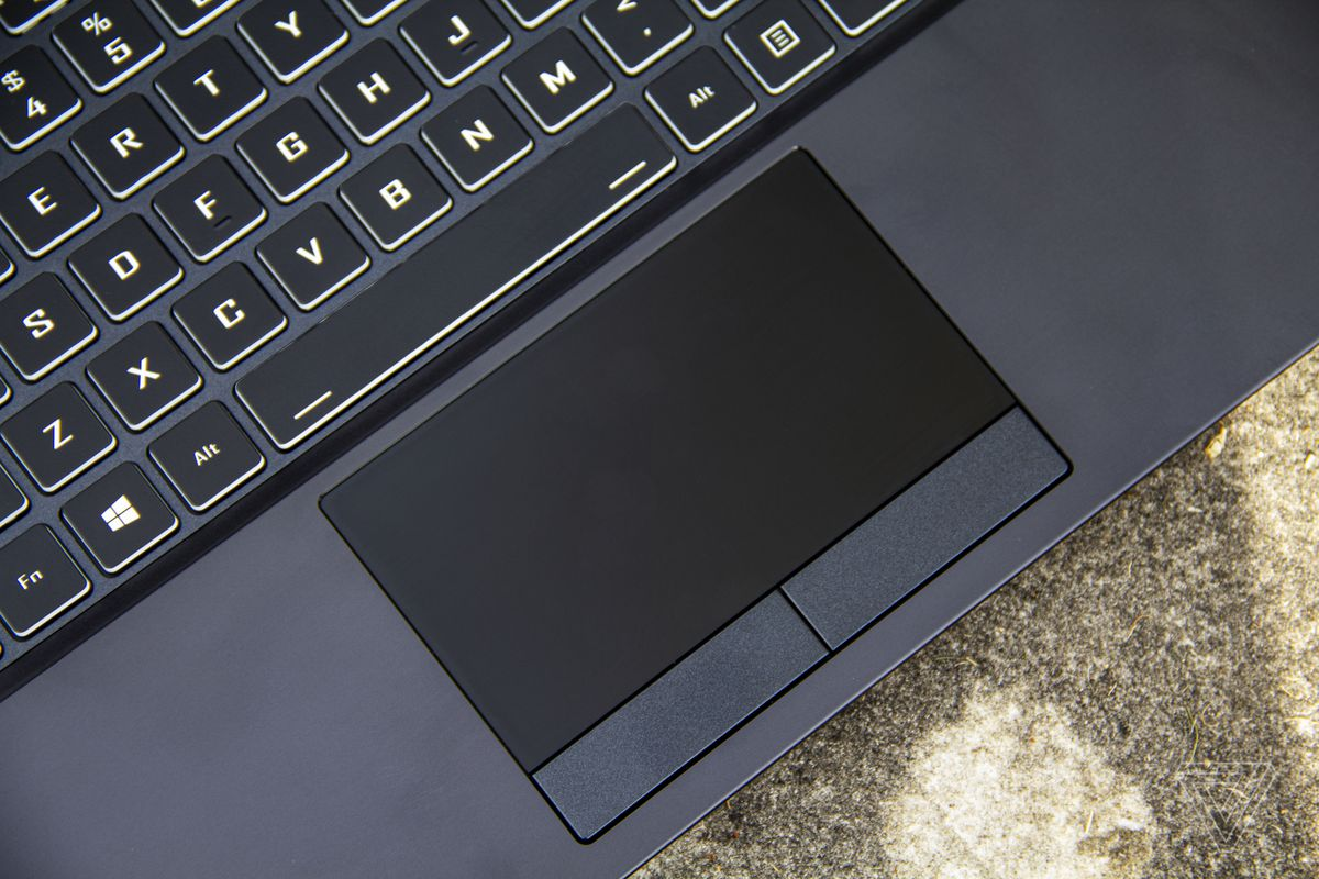 Touchpad-ul Origin EVO15-S de sus.