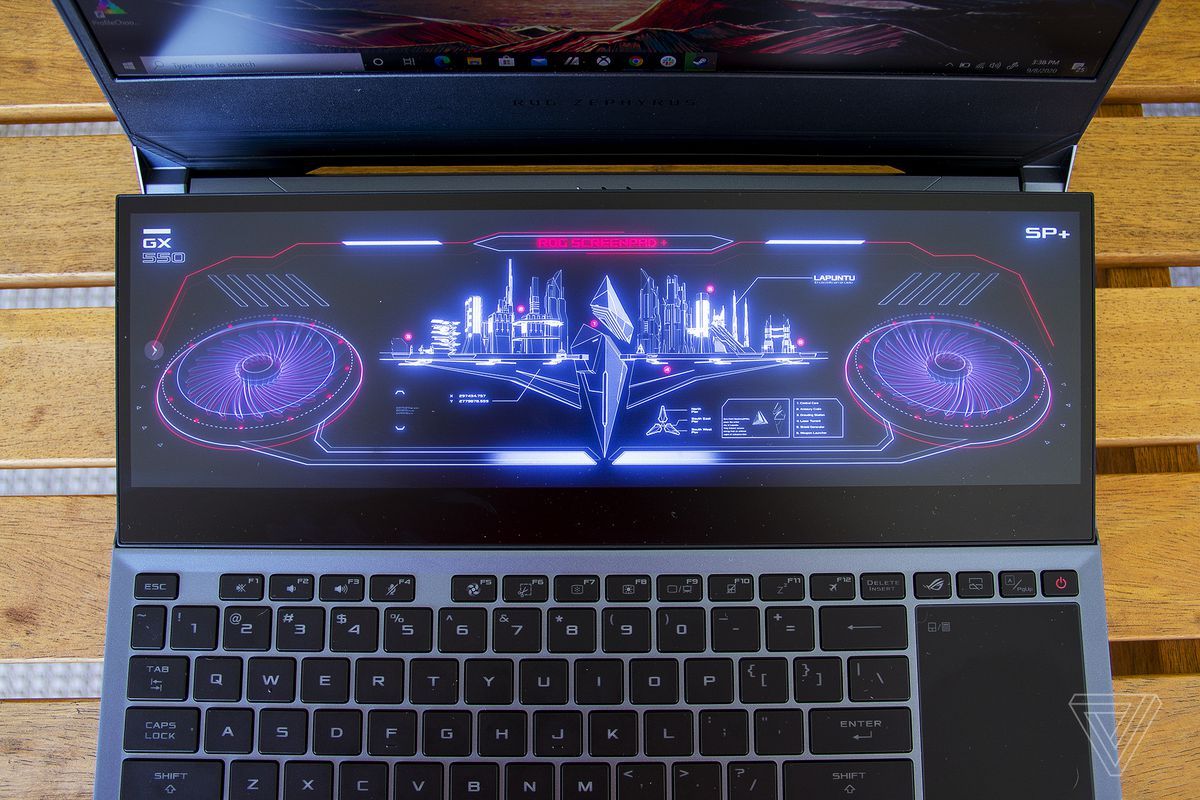 ScreenPad-ul de sus.