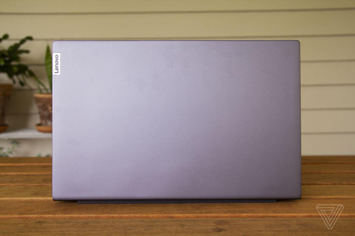Capacul Lenovo IdeaPad Slim 7.