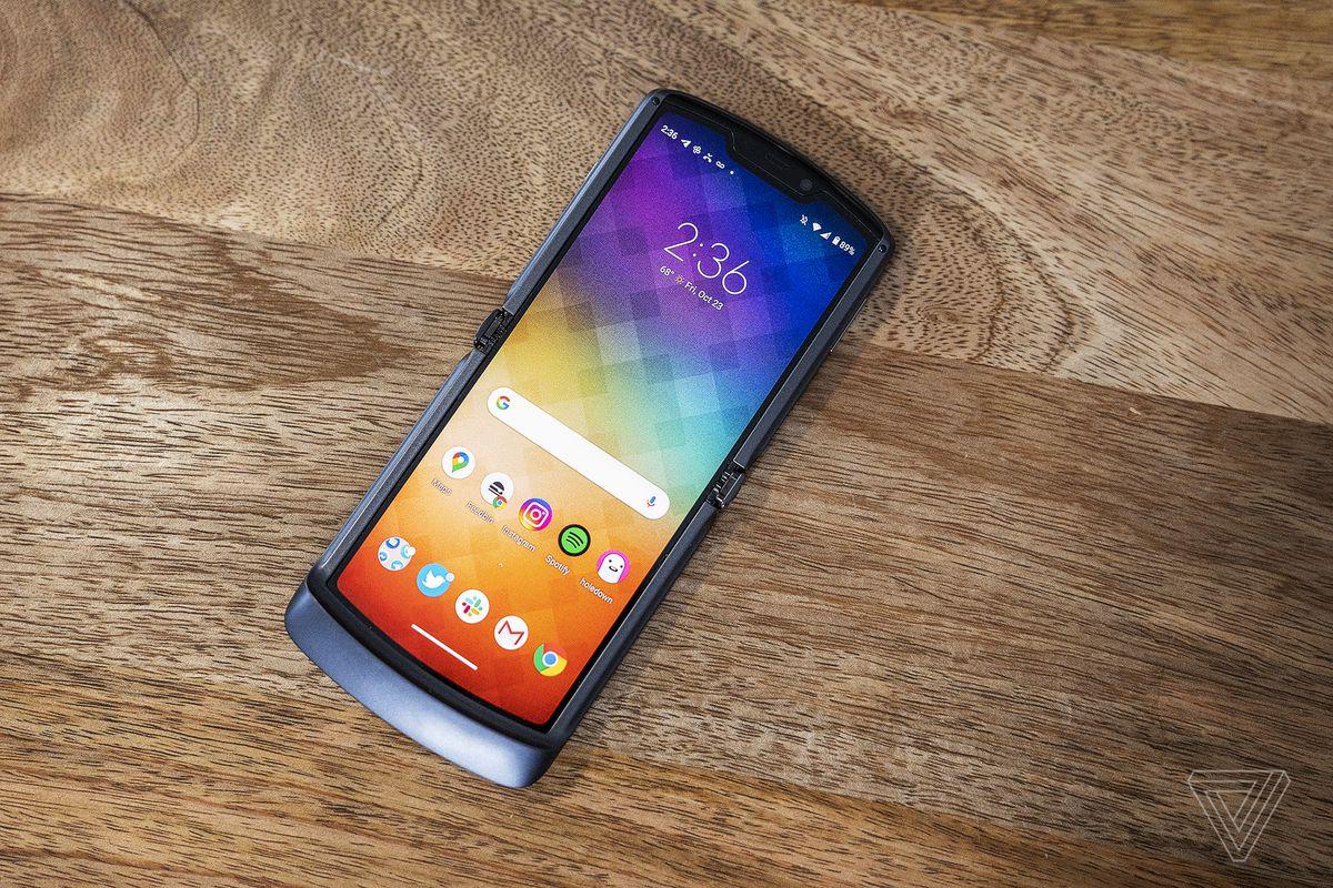 Motorola Razr 2020 cu 5G
