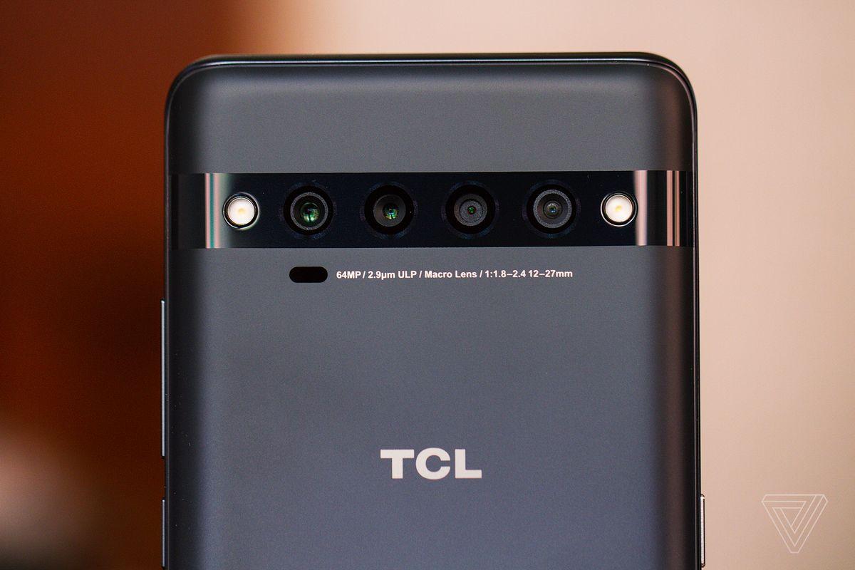 Camerele din spate de pe TCL 10 Pro