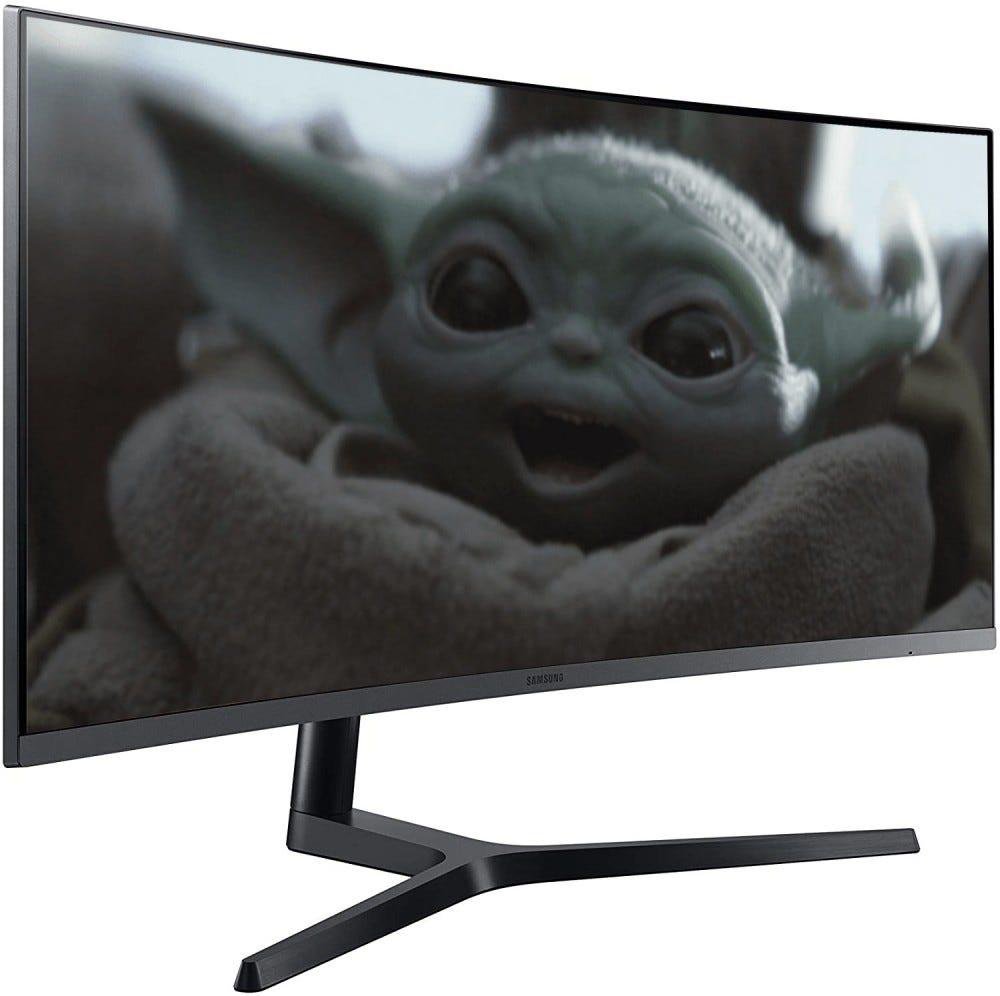 Baby Yoda pe un monitor Samsung