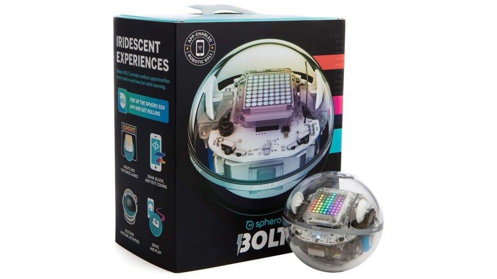 Sphero BOLT și cutia însoțitoare