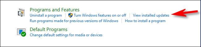 """În Panoul de control, faceți clic pe """"Vizualizați actualizările instalate."""""""