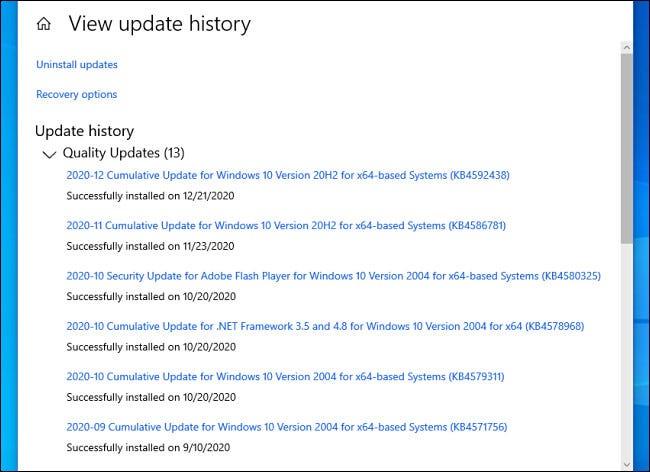O listă de actualizări Windows 10 instalate în Setări.