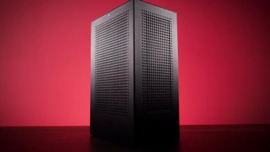 Carcasa pentru PC Revolt 3 MK3 a iBuyPower se ambaleaza