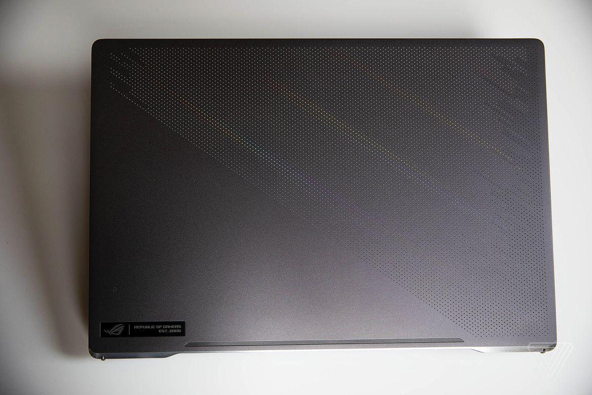 Cele mai bune laptopuri pentru jocuri 2021: Asus ROG Zephyrus G15