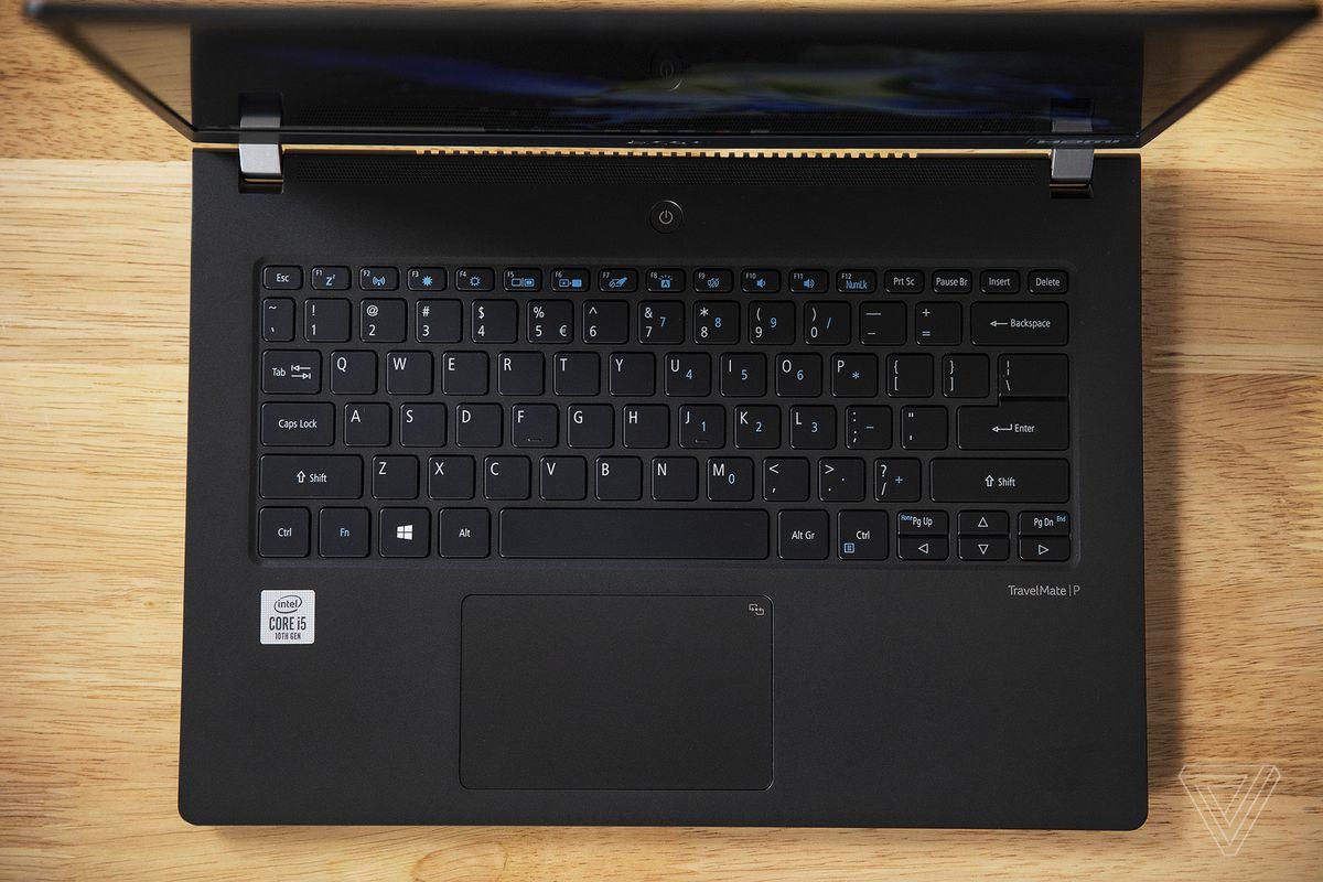 Tastatura și touchpad-ul Acer Travelmate P6 văzute de sus.