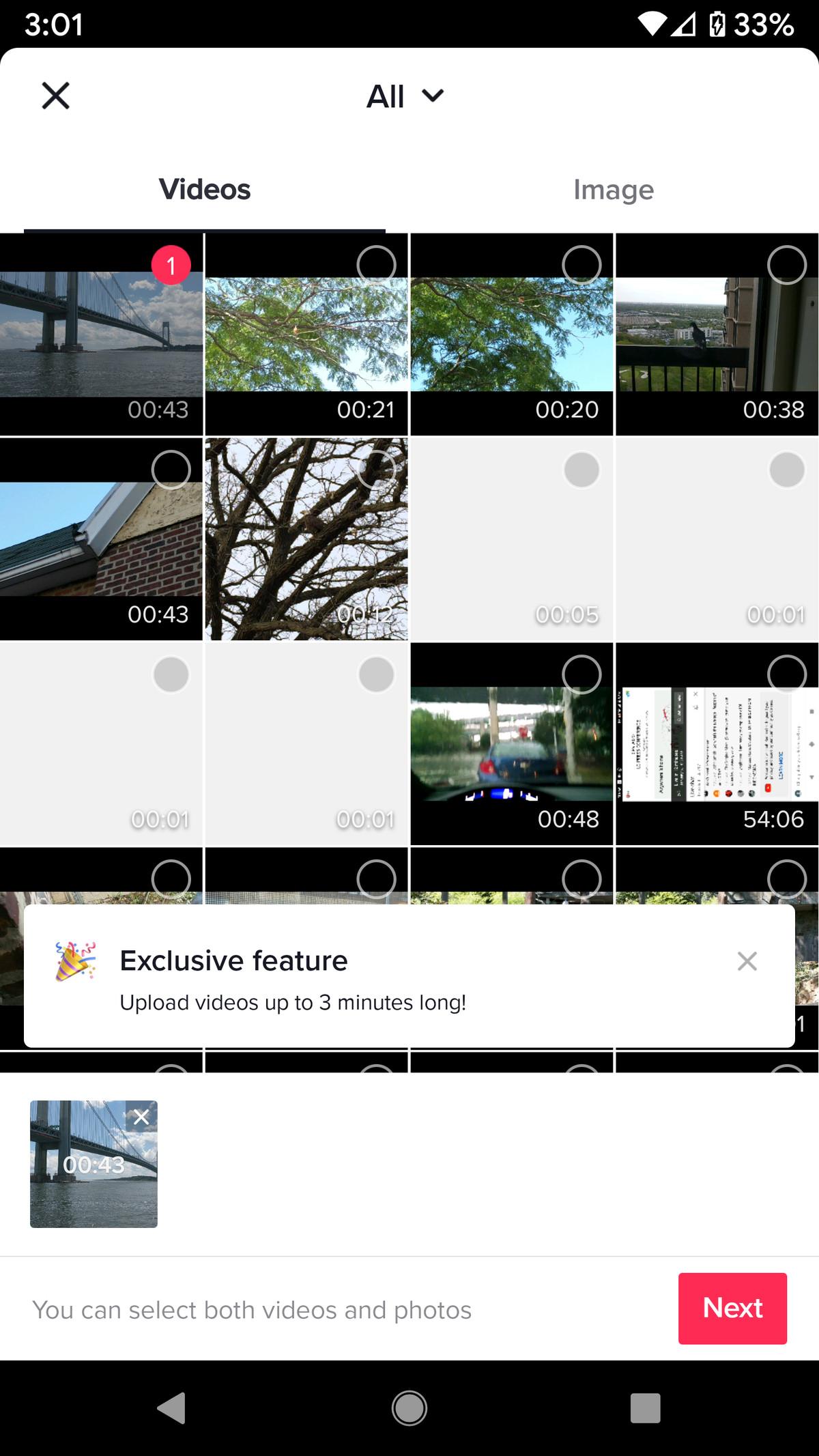 Miniaturile videoclipului sau fotografiei alese vor apărea în partea de jos.