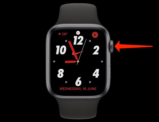 Apăsați pe Digital Crown, care este butonul mare circular cu formă de cadran din partea laterală a Apple Watch.