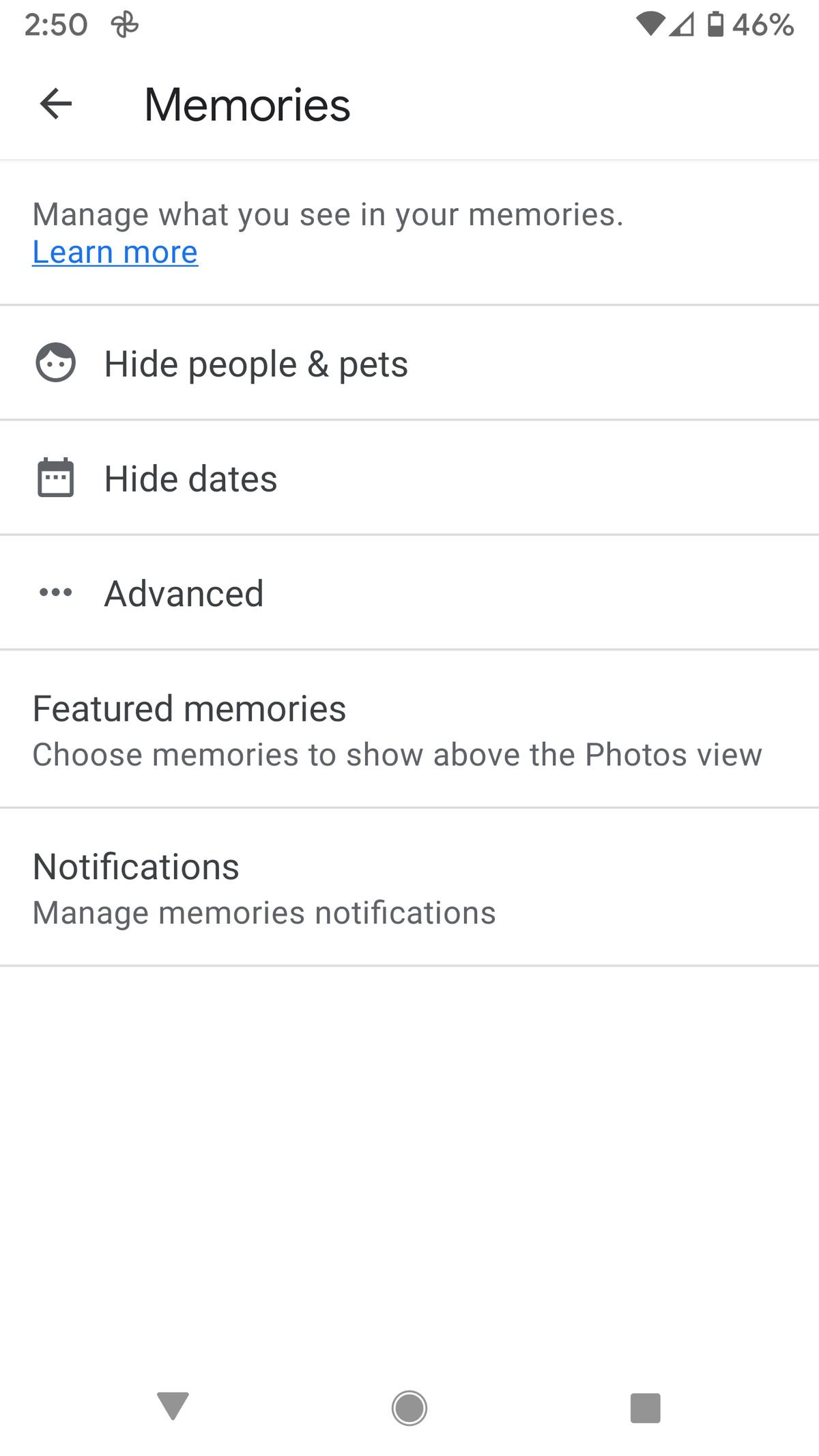Pagina Amintiri Google Foto vă permite să ascundeți persoane, animale de companie sau date.