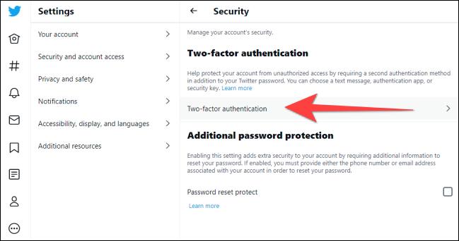 """Clic """"Autentificare cu doi factori"""" sub """"Securitate"""" secțiune."""