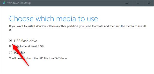 Faceți clic pe unitate flash USB.