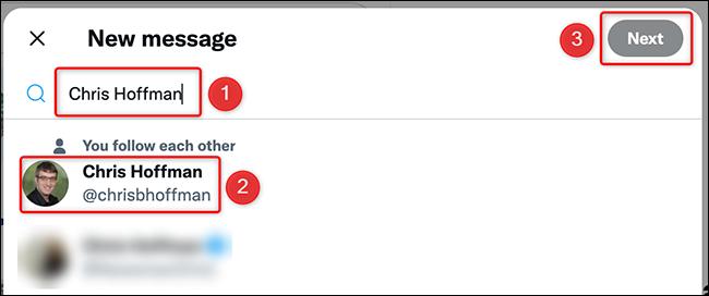 Selectați un utilizator către DM pe site-ul Twitter.