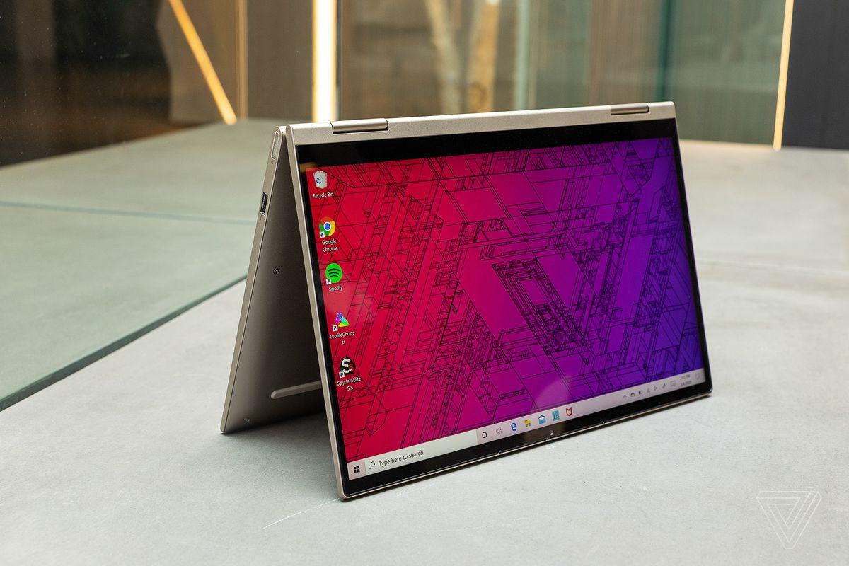 Cel mai bun laptop ieftin 2021: Lenovo Yoga C740