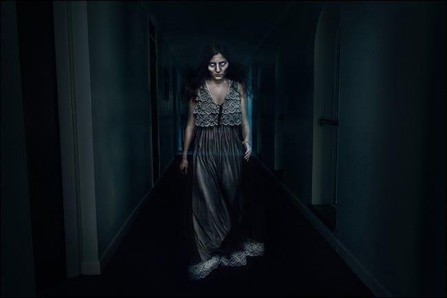 Imagine compusă a unei fantome