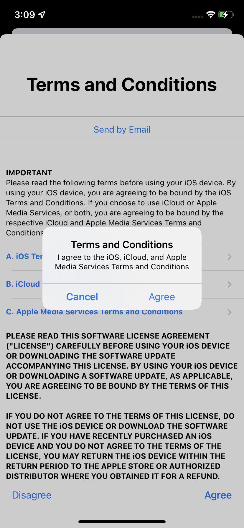 """Va trebui să fiți de acord cu """"Termenii și condițiile"""" Apple."""
