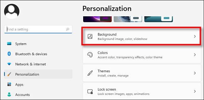 """În setările de personalizare Windows 11, faceți clic pe """"Fundal."""""""