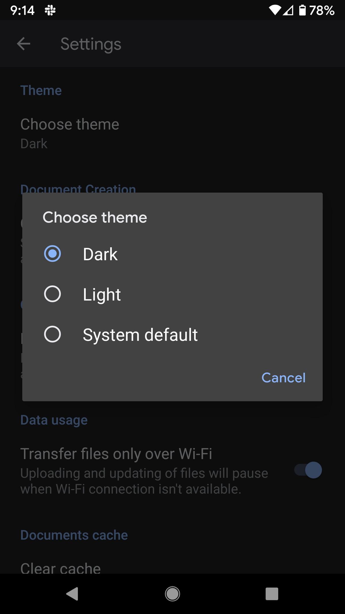 Puteți alege moduri întunecate sau luminoase sau pur și simplu mergeți cu setarea implicită a sistemului.