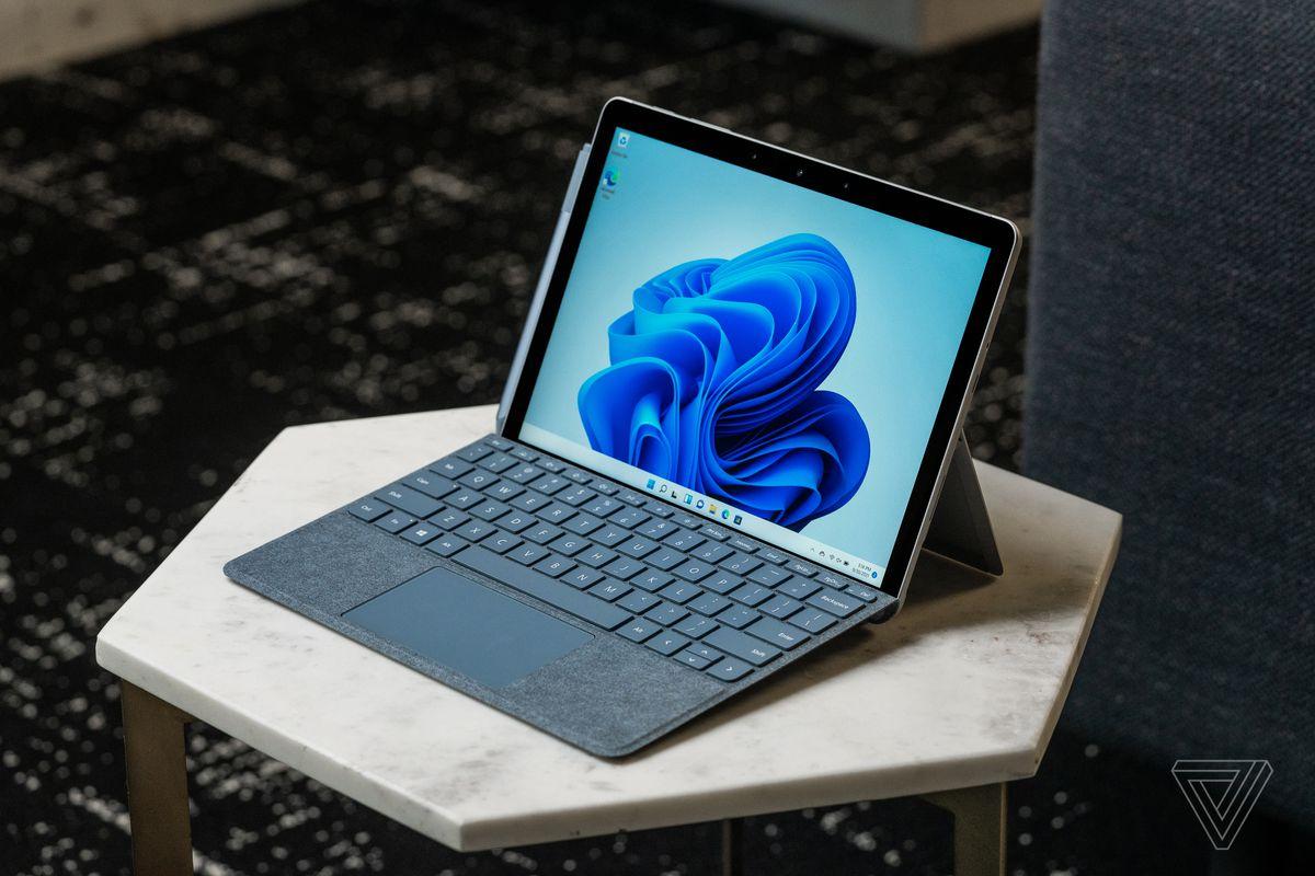 Go 3 arată la fel ca un mic Surface Pro